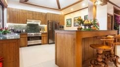 VS2 VS2-15.-Fully-fitted-Kitchen.jpg